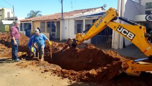 SAAE refaz ligações da rede de de água antes do serviço de recapeamento