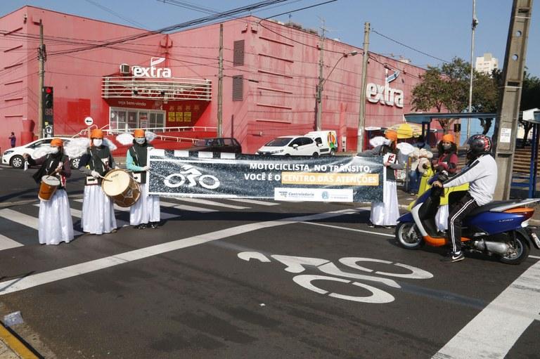 Mobilidade Urbana promove campanha de respeito ao motociclista